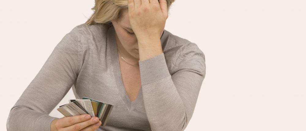 Какие существуют схемы мошенничества с пластиковыми картами?