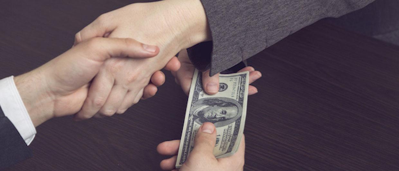 Как УК РФ квалифицирует покушение на дачу взятки и какую ответственность предусматривает? Какое наказание грозит, если доказан факт покушения на дачу взятки? Узнайте на нашем ресурсе по уголовному праву
