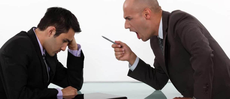 Что такое публичное оскобление? Какое наказание ждет нарушителя — по статье УК или КоАП РФ? Как доказать публичное оскорбление и привлечь обидчика к ответственности? Расскажут наши опытные юристы.