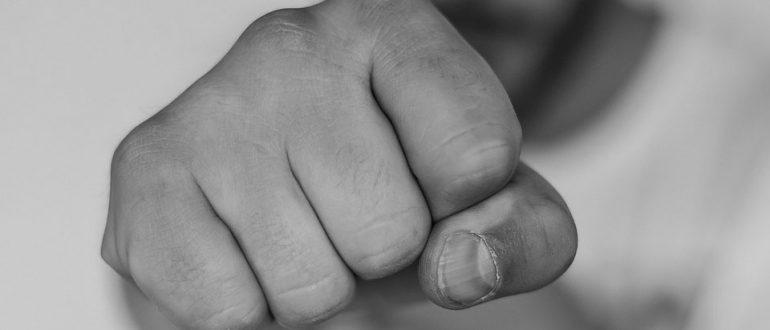 Статья 115 УК РФ за причинение легкого вреда здоровью