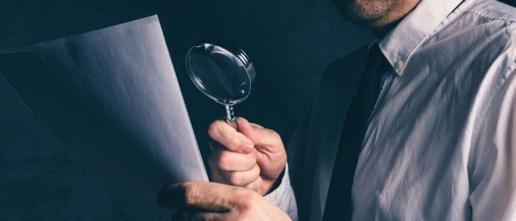 Что закон понимает под подделкой, изготовлением или сбытом поддельных документов?