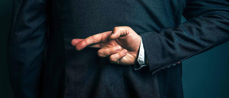 Как написать заявление в прокуратуру по факту мошенничества? Где посмотреть образец заявления? Какие необходимо предоставить документы? Узнайте в нашей статье.